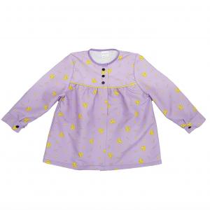 blusón lila peinetas amarillas